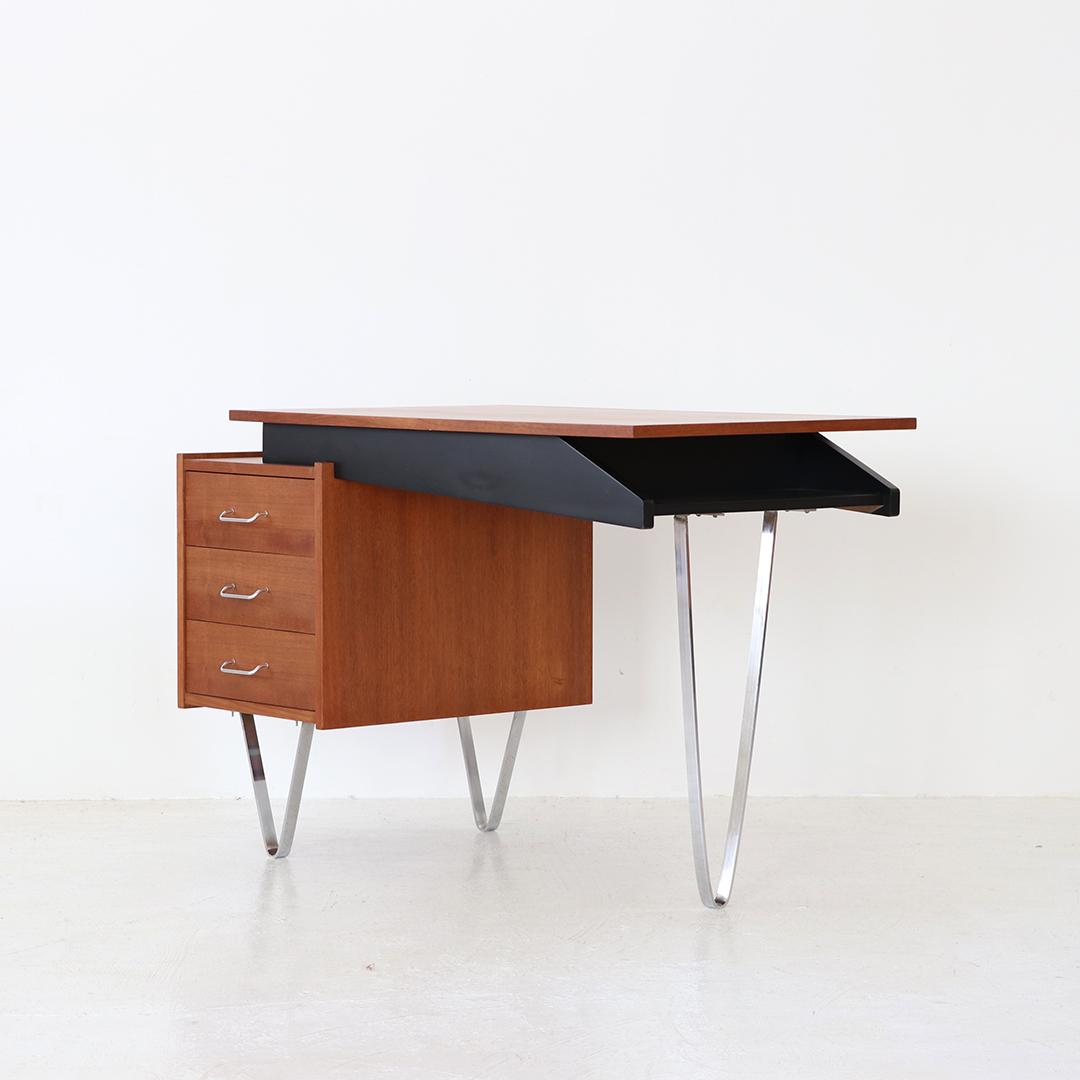 Desk / Cees Braakman for PASTOE