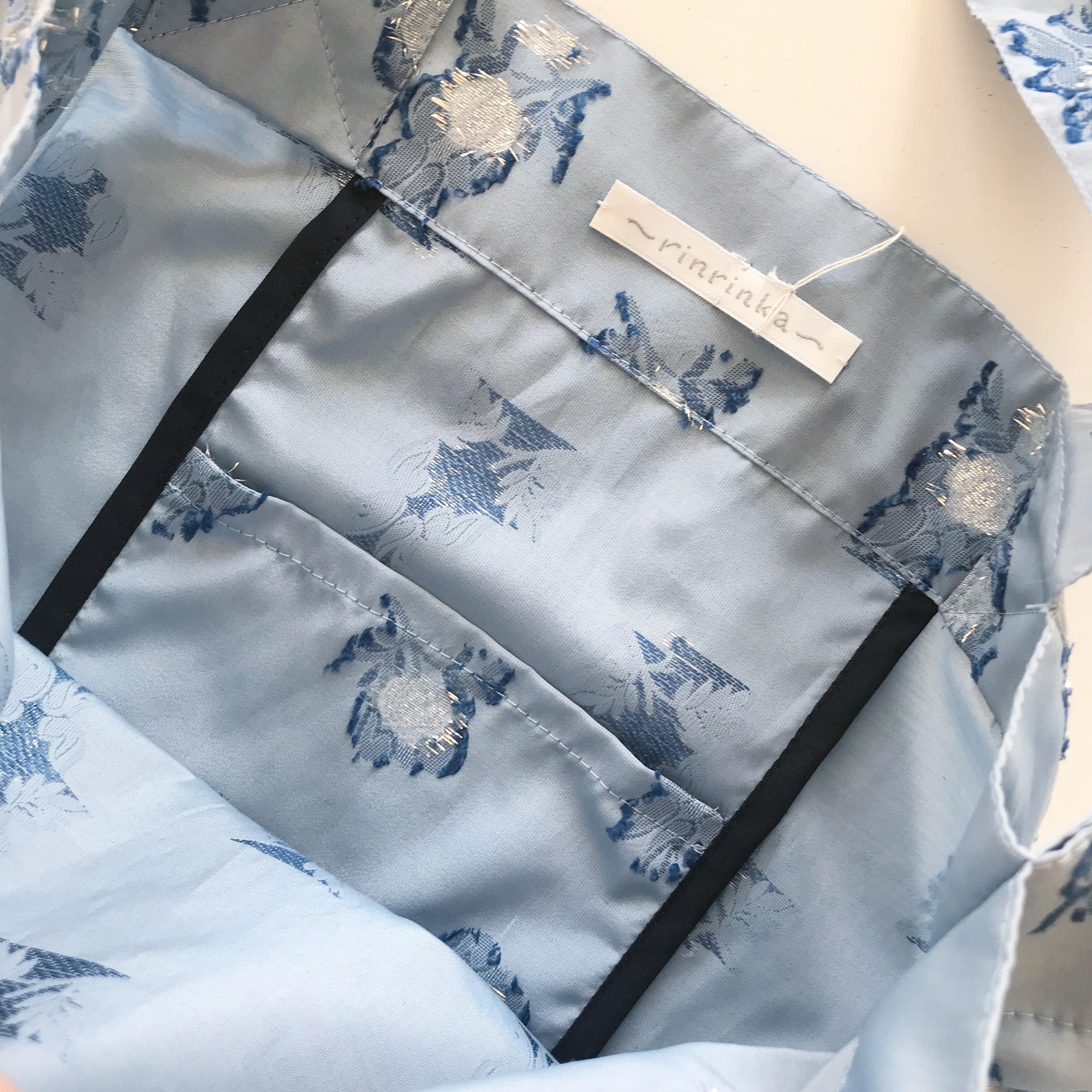 Shirring tate bag 〈blue flower×black〉