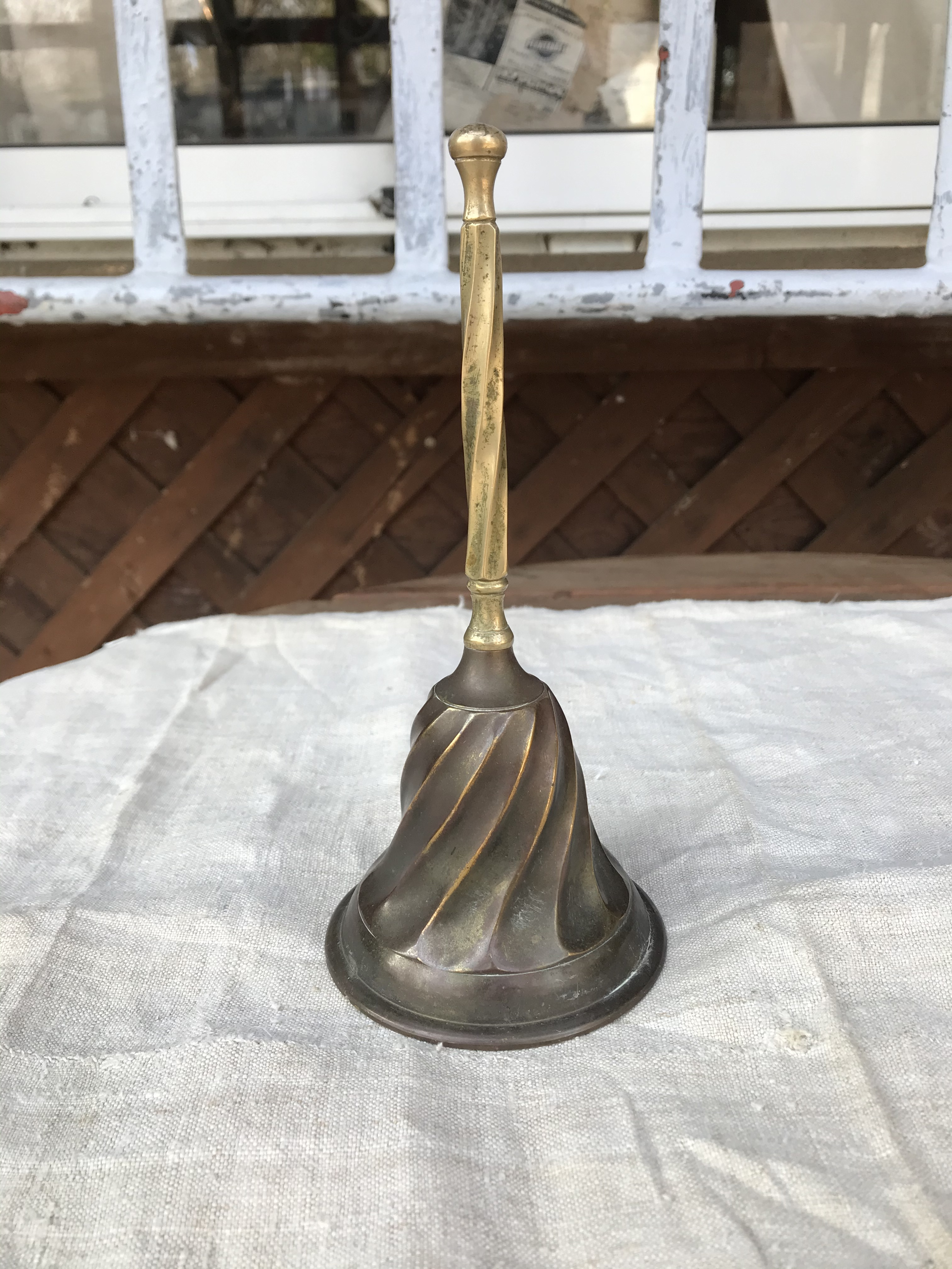 真鍮製の呼び鈴 ヨーロッパビンテージ