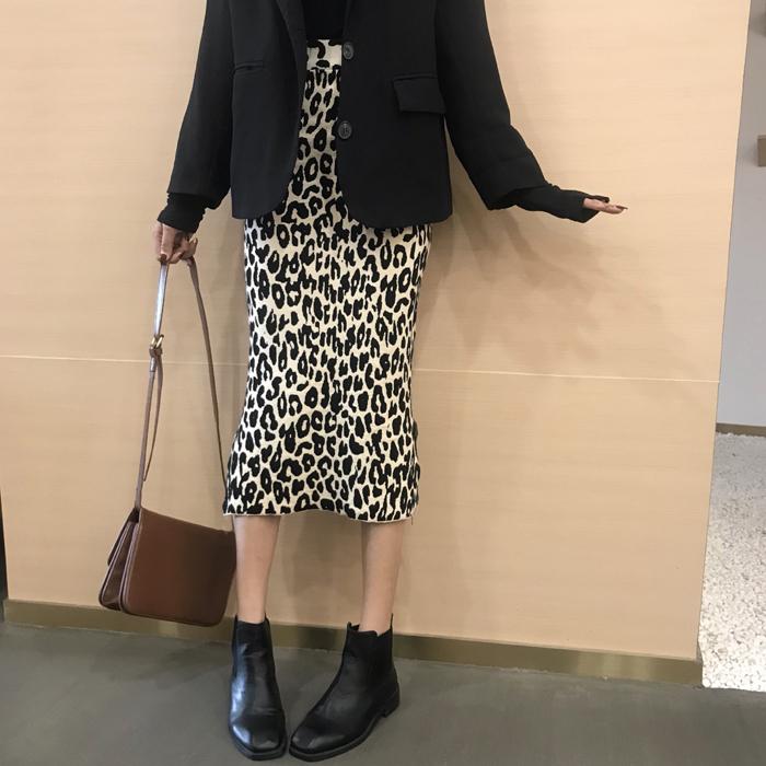 【送料無料】トレンド レオパード柄 ♡ 大人可愛い きれいめ ヒョウ柄 タイト ミモレ丈 スカート