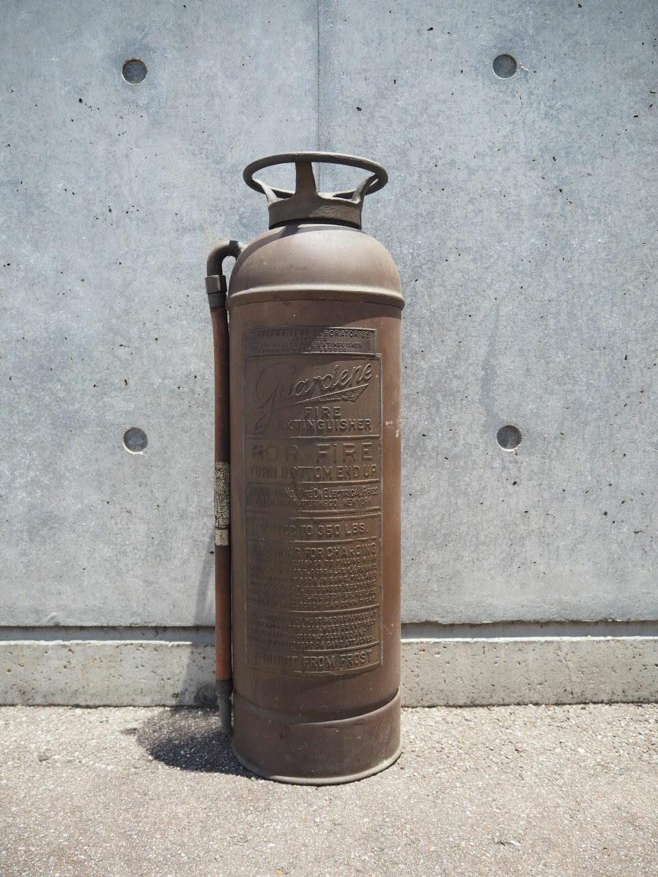 品番1130 消火器 / Fire extinguisher 011