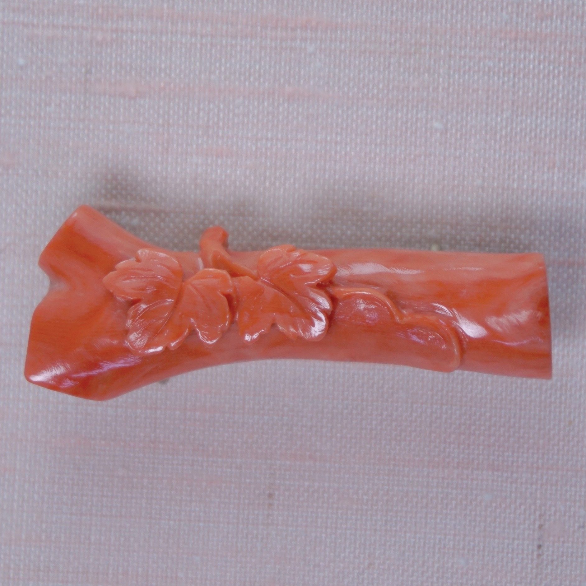 桃珊瑚蔦帯留