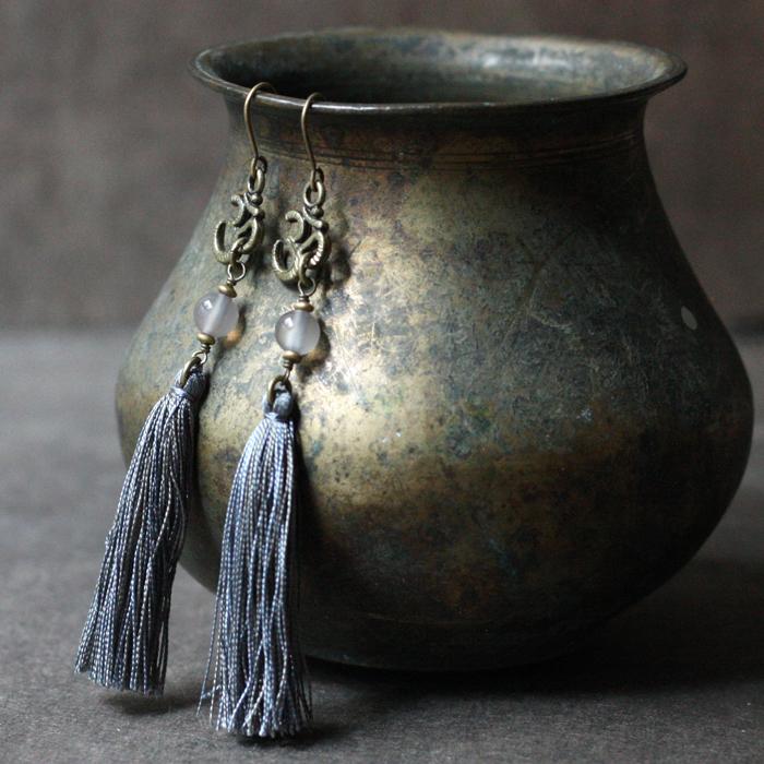 ピアス -grey agate × serenity tassel-