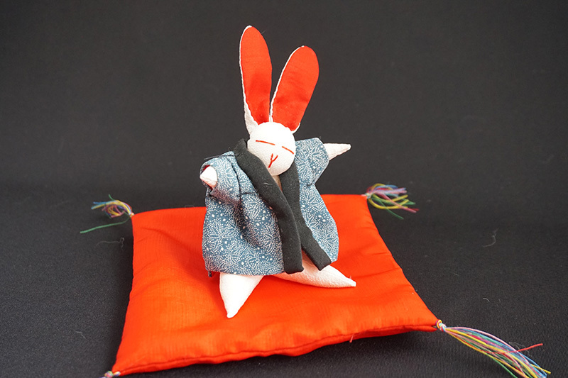 着物、和服の古布人形「どてらうさぎ」 - 画像2