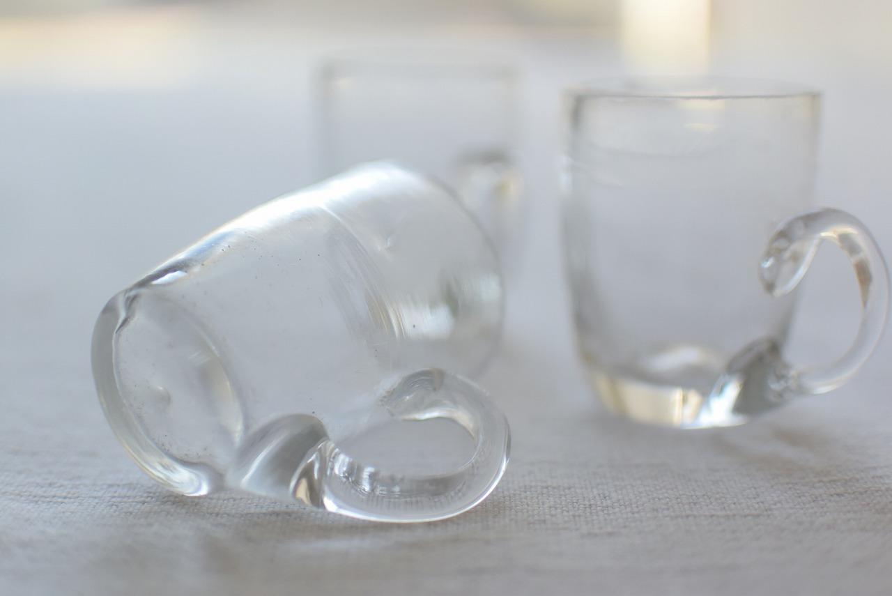 フランスアンティークの小さなガラスマグ3個セット