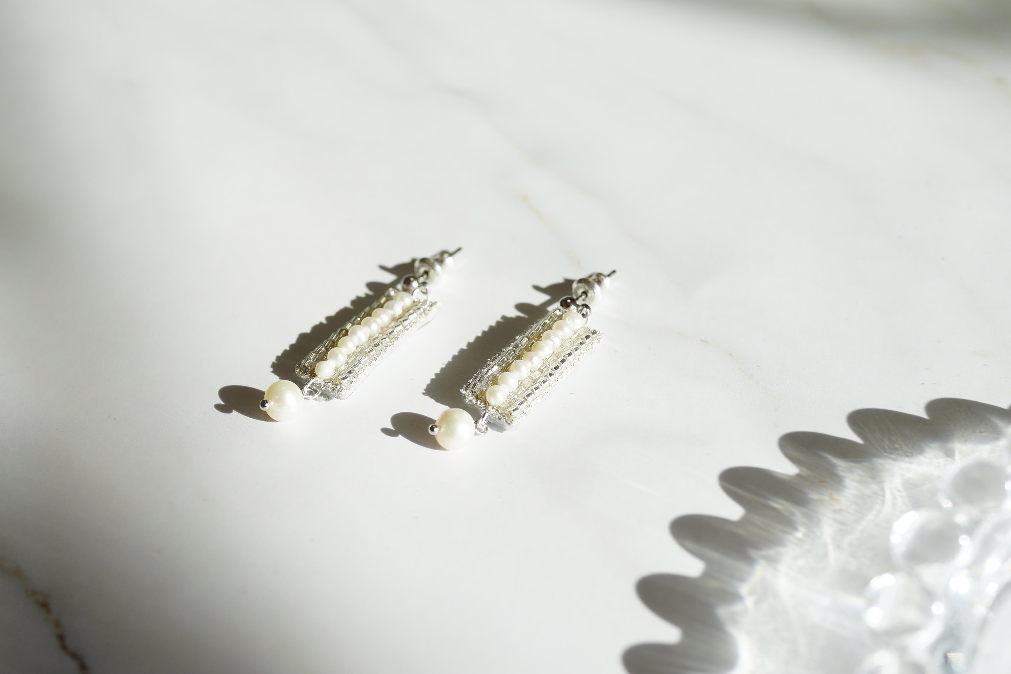 【刺繍ジュエリー】Silver beads✴︎ ▽注文時にピアス/イヤリングお選びいただけます