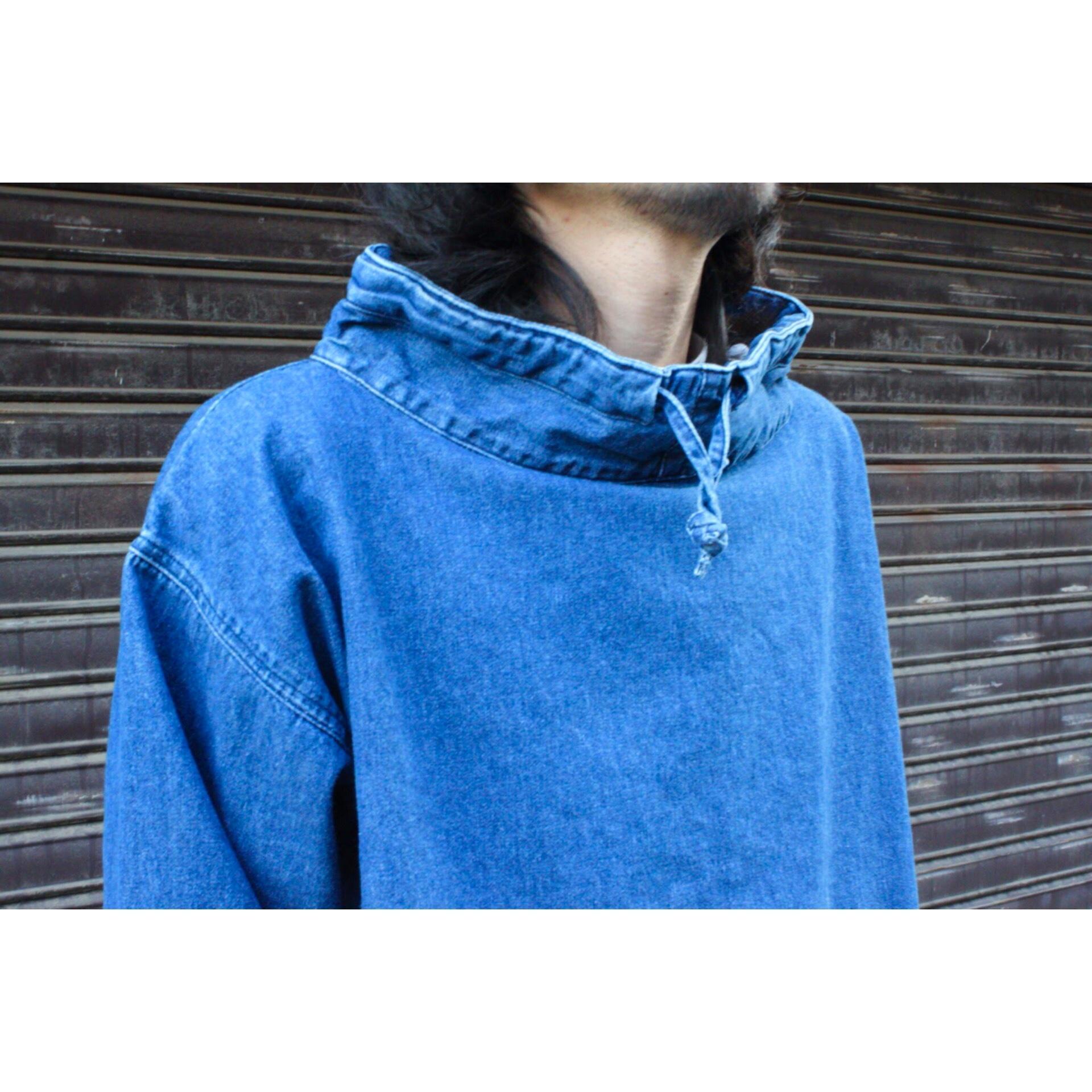 Vintage denim mock neck pullover shirt