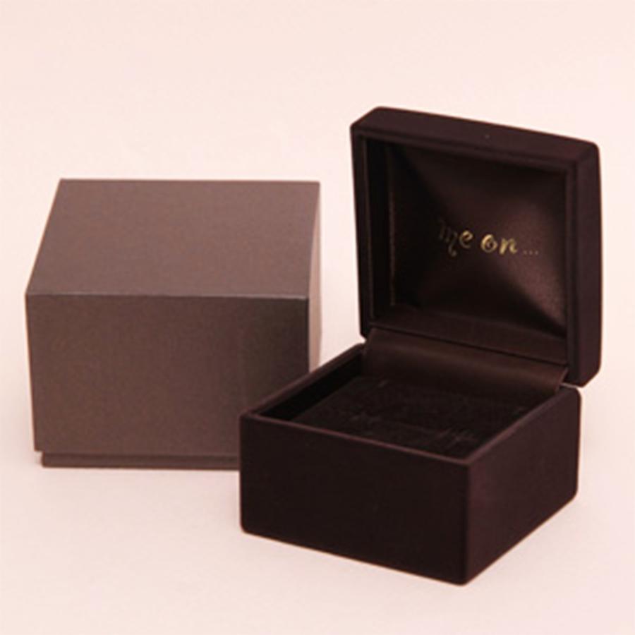 ★送料無料★【me on...】◆K10ホワイトゴールド◆ブラックダイヤモンド・3連フラワーモチーフ ネックレス
