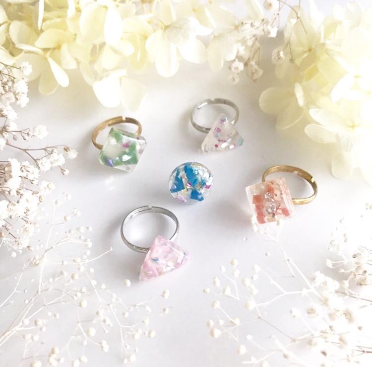 【さんかく指輪】海洋マイクロプラスチックを使った一点物デザインアクセサリー/ゆびわ(全7色)