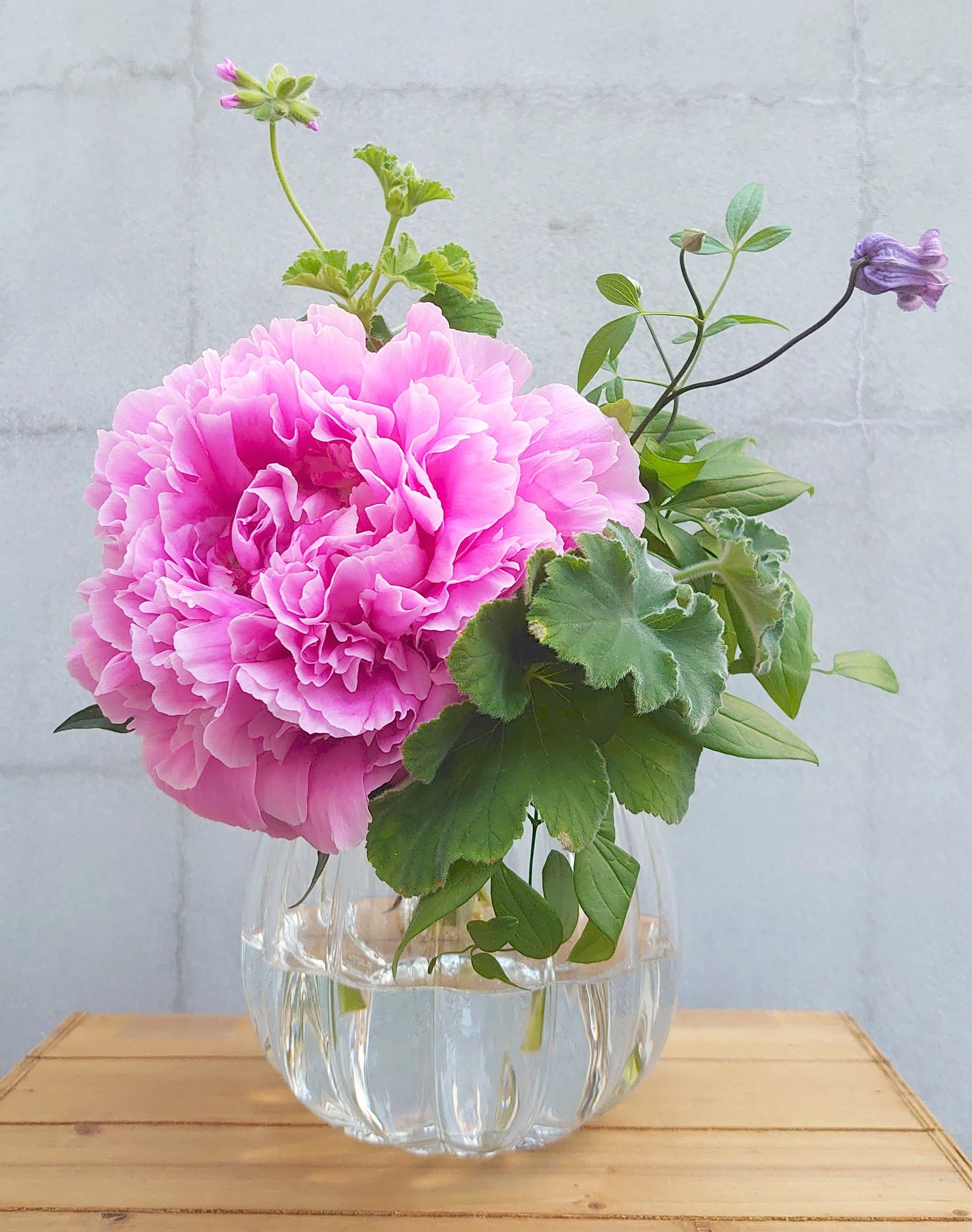 ★Lパンプキンのようなエレガントな花瓶! パンプキンボールベースのご紹介。