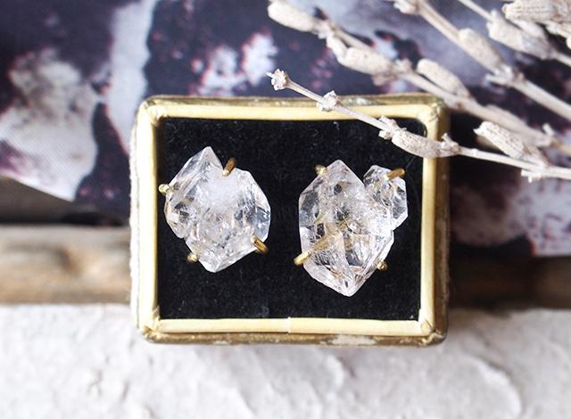 【一点物】大粒原石ダイヤモンドクォーツのピアス