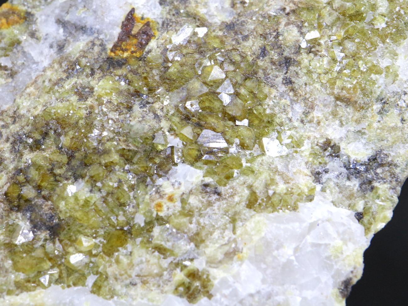 イエロー系! グロッシュラーガーネット 604,7g GN038 原石 鉱物 天然石 パワーストーン