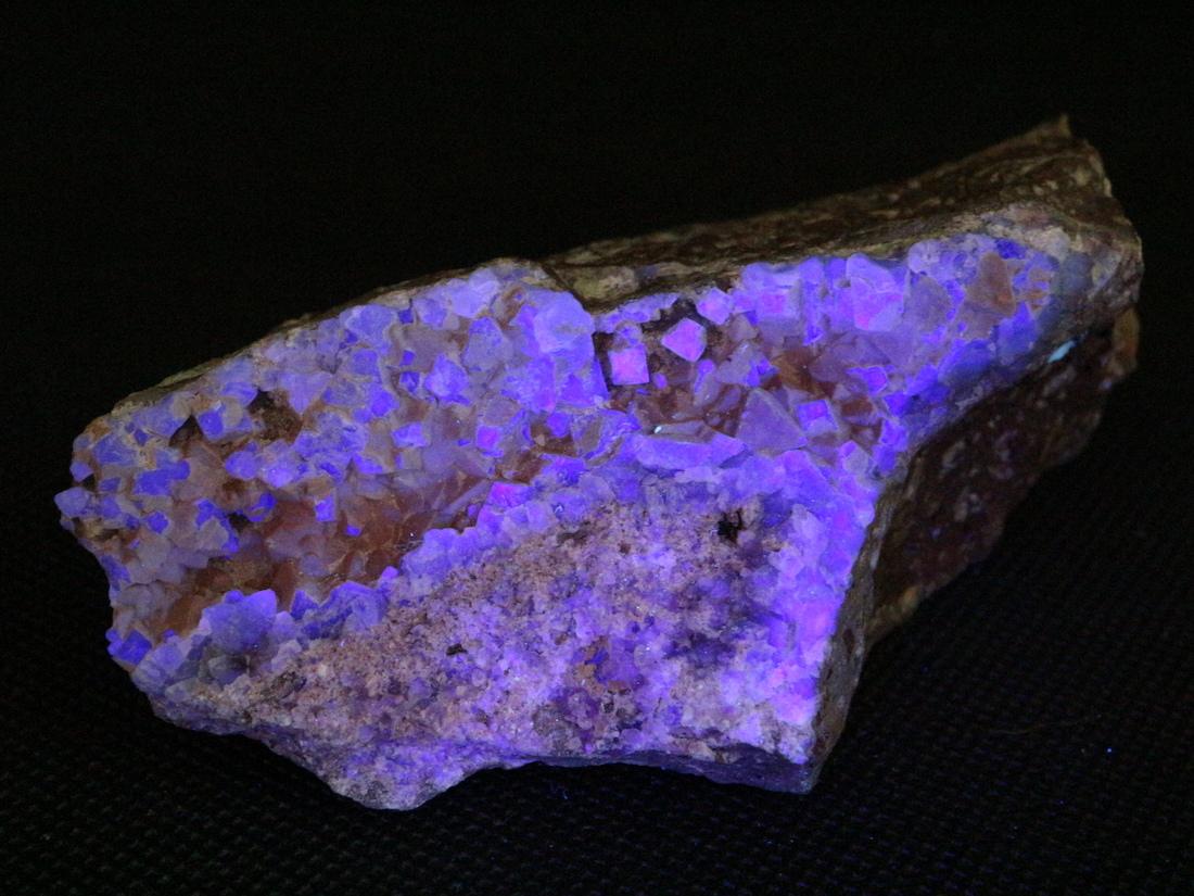 自主採掘!カリフォルニア産 フローライト 蛍石 原石 224,6g  FL078 鉱物 天然石 パワーストーン