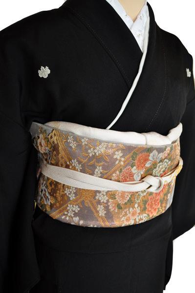黒留袖レンタル■正絹御所車に赤白の牡丹に菊や桜がにぎやかに■L寸kurot3[往復送料無料] - 画像5