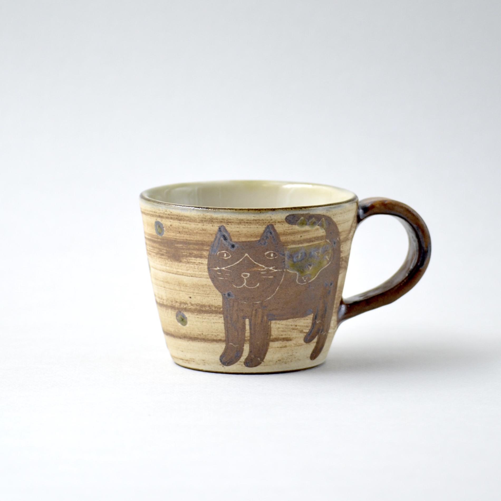 ハチワレネコのマグカップ m1
