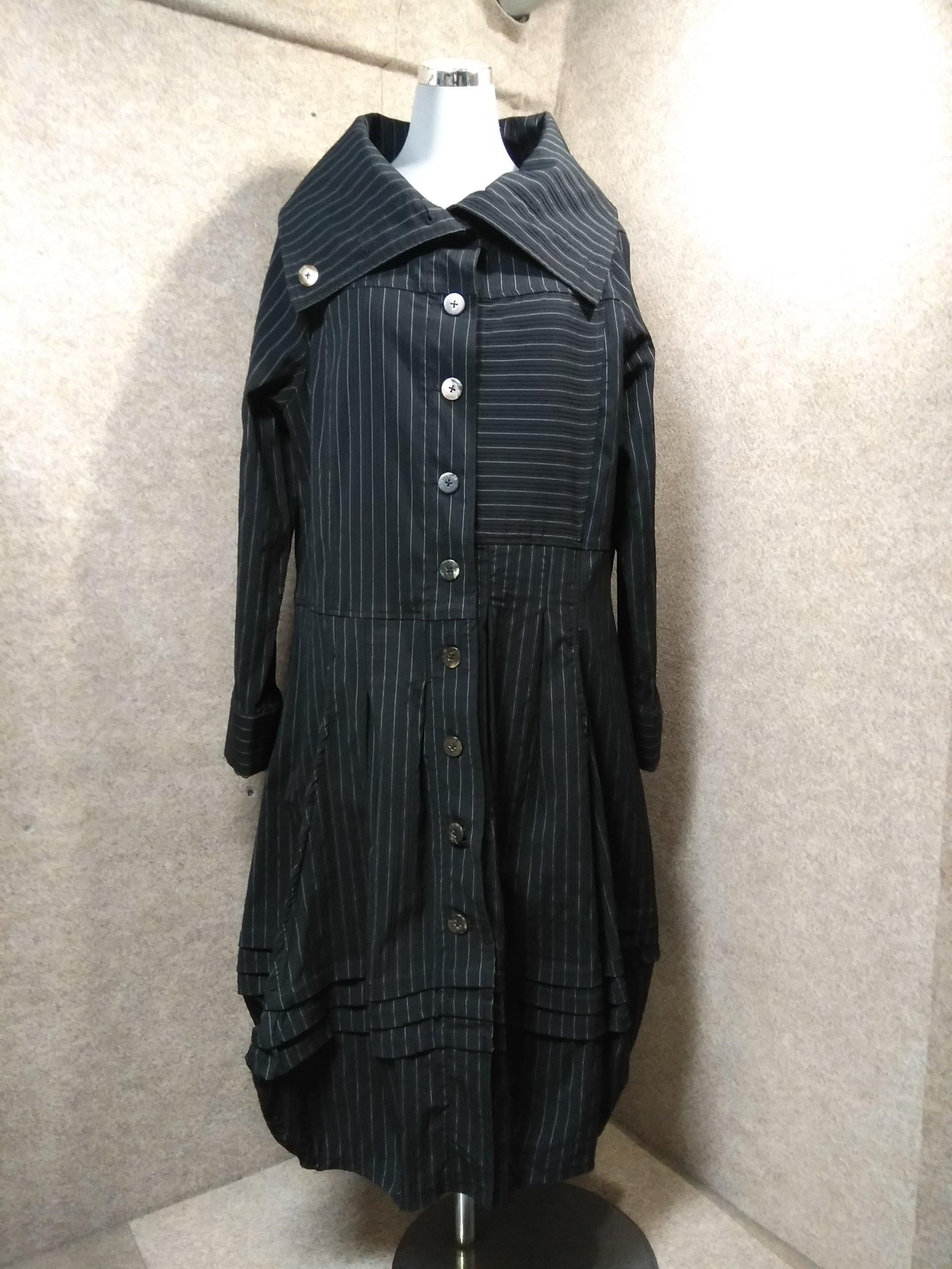 ベルチュベリー ロング コート F 黒ストライプ 変形バルーン裾 mu352s