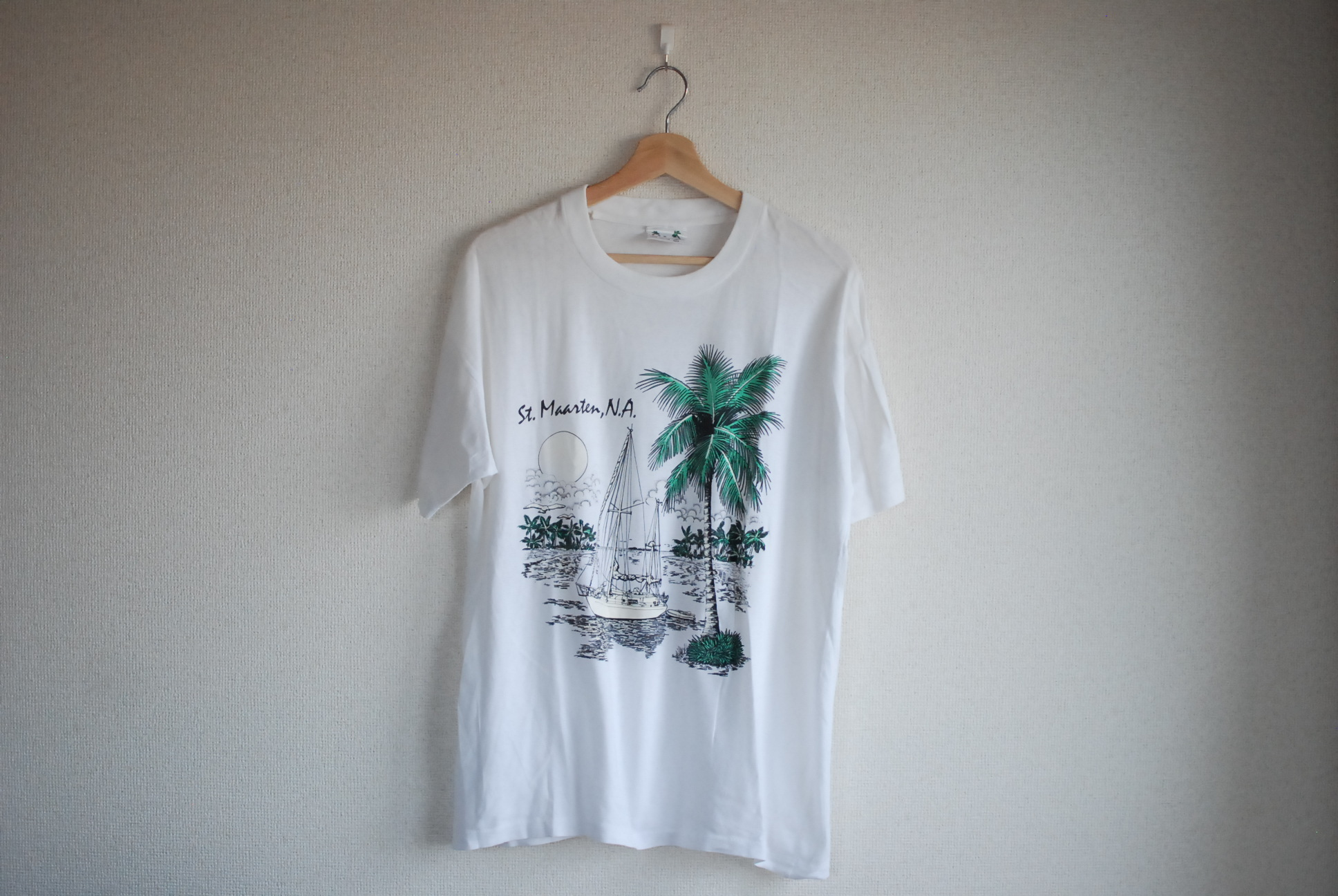 【UNISEX】VINTAGE St.Maaten T-shirt