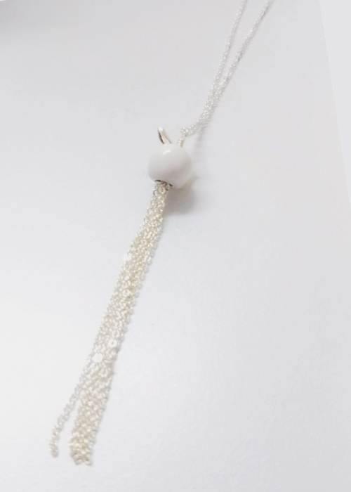 MIDDLAPPLE FRINGE NECKLACE