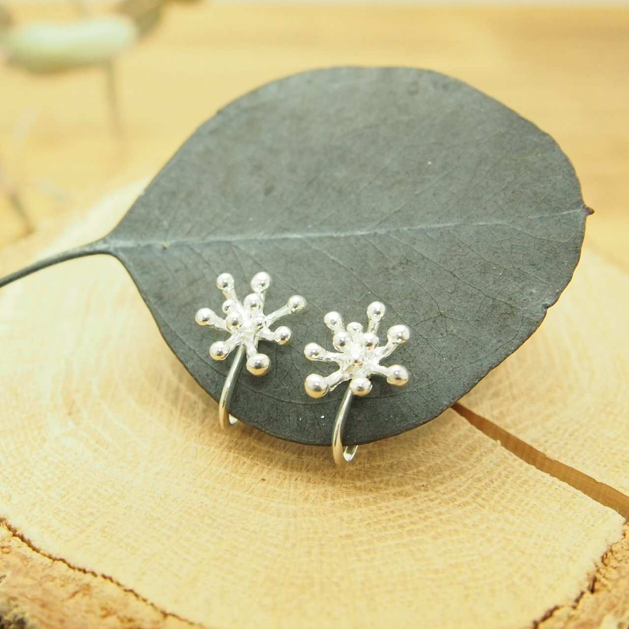 つぶ花のイヤリング SE26