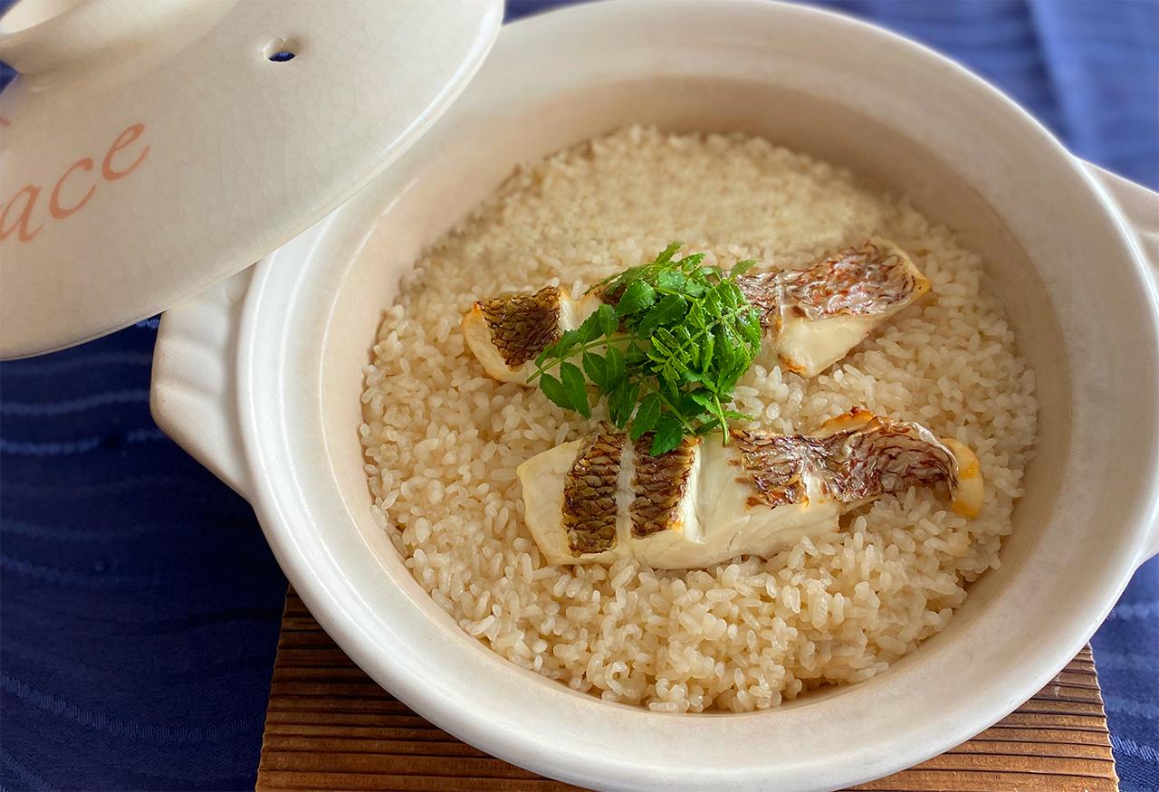 和歌山県産真鯛を使った鯛めしセット(2合用)炊飯器にセットの中身をお米2合(300g)と一緒に入れるだけ!