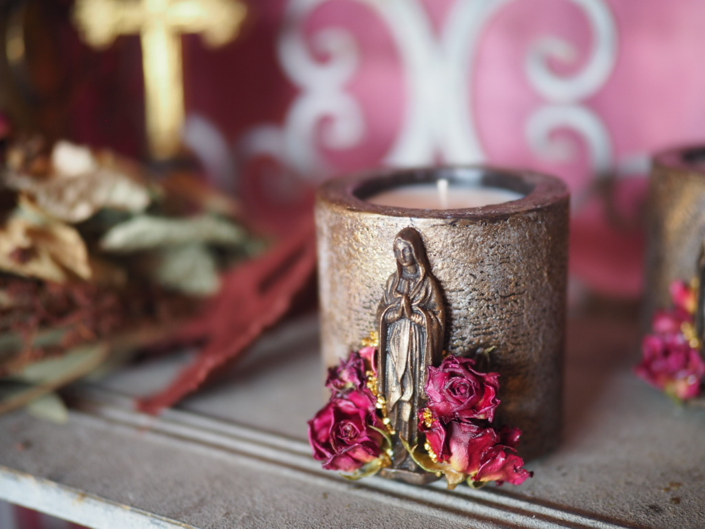 Vintage Maria Candle 9