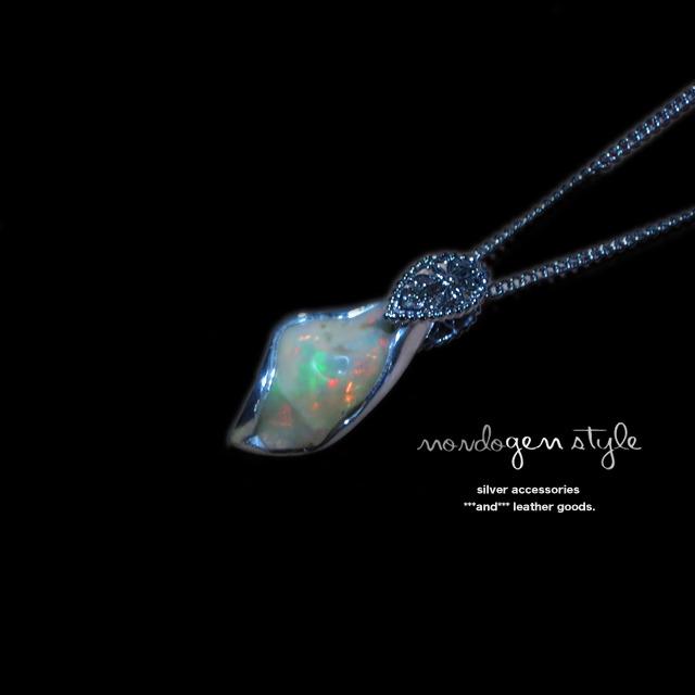 modo gem style エチオピア・オパールのネックレス