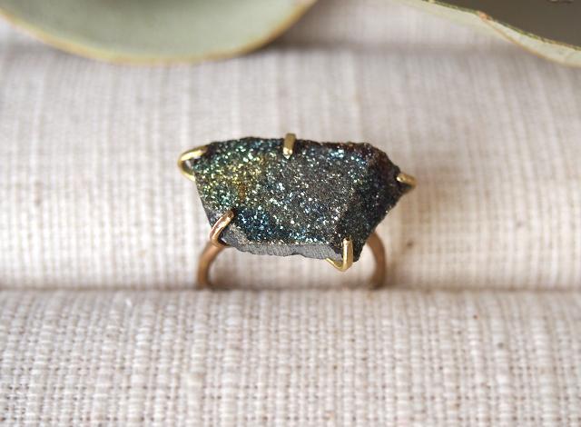 [一点物]原石のレインボーパイライトのリング