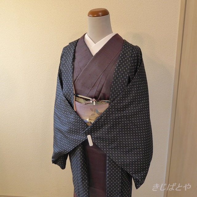 正絹紬 紺に十字絣の羽織