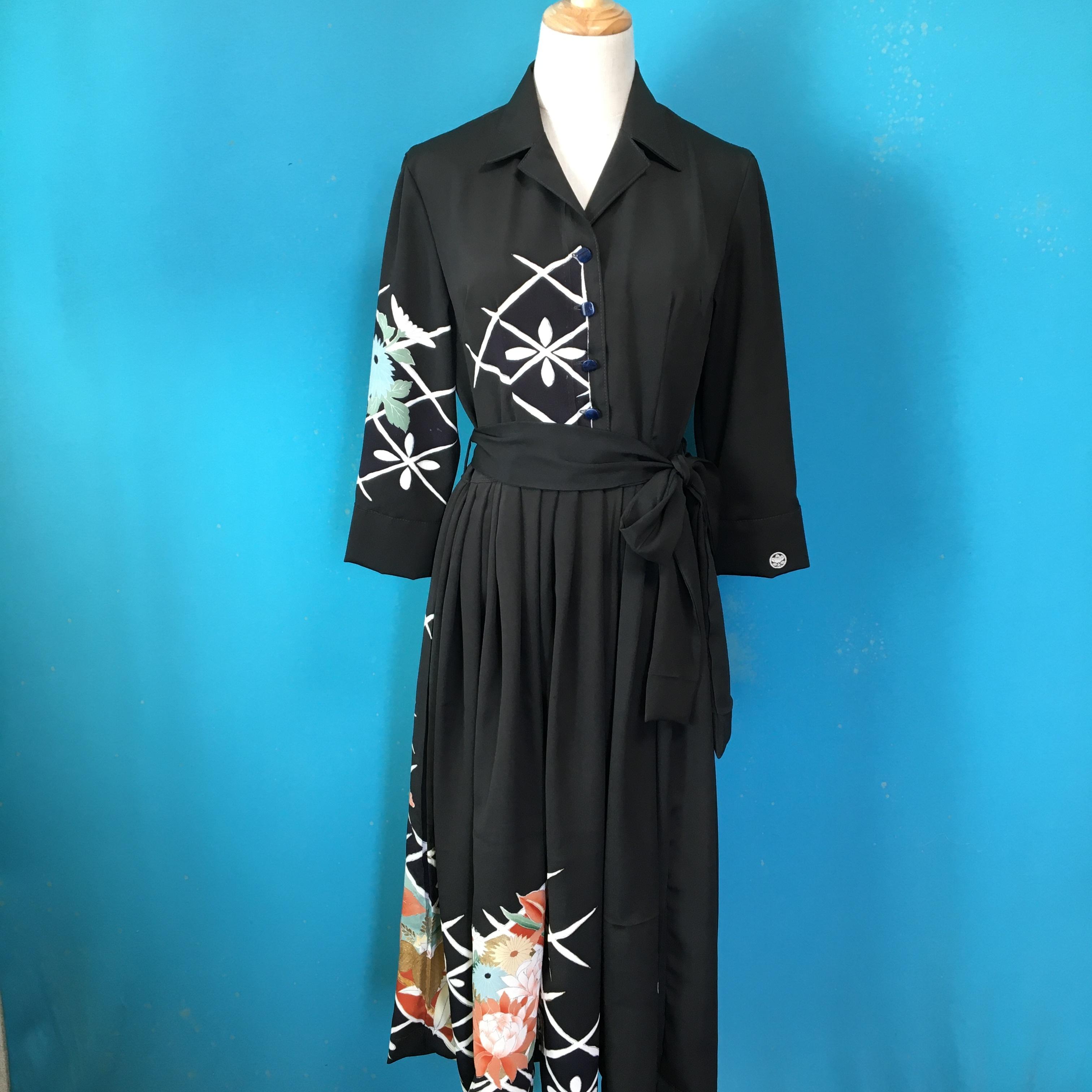 Vintage black kimono shirtdress/ US 8, gorgeous embroidery