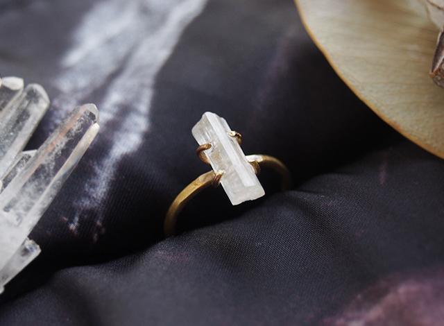[一点物]ホワイトトルマリンの結晶リング
