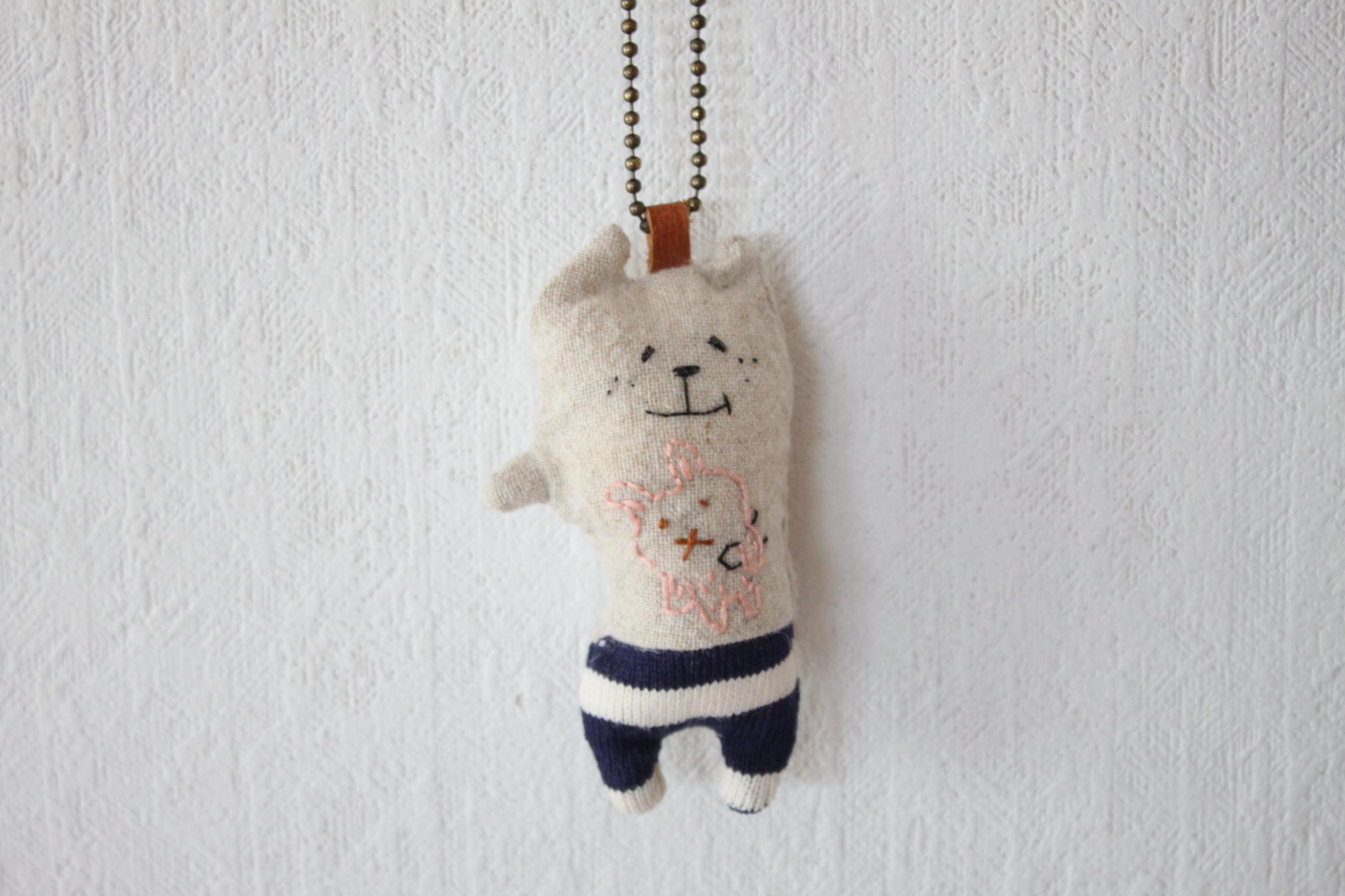 muuちゃん 手刺繍 ウサギさん ストラップ