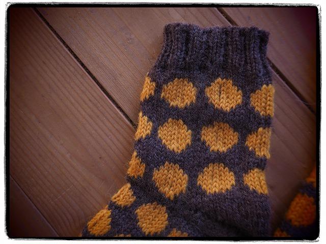 手編みの靴下・黄色水玉
