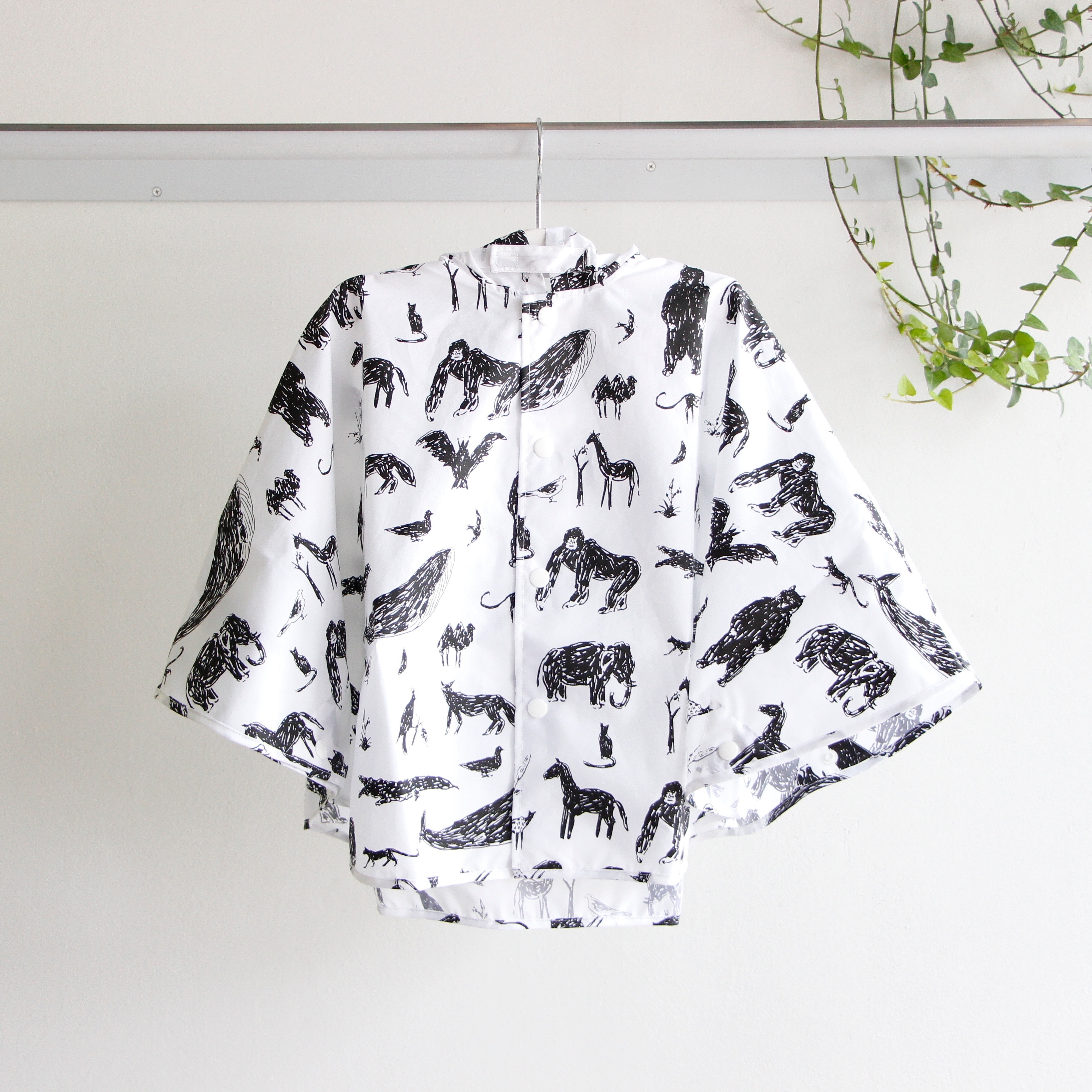 《chocolatesoup 》GEOMETRY RAIN PONCHO / animal / 100cm