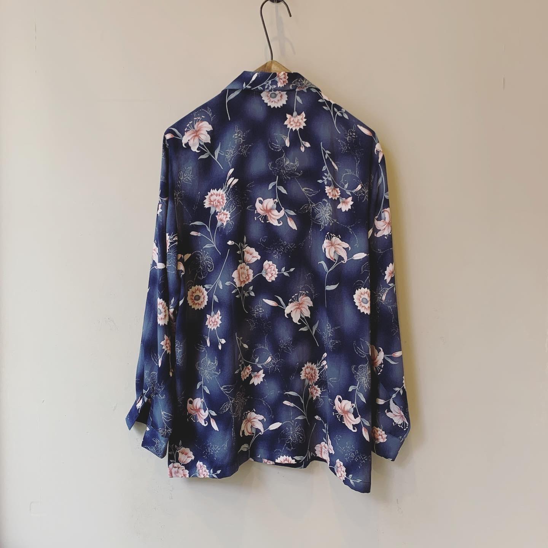 vintage flower design blouse