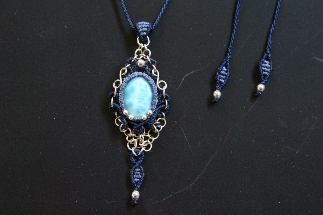 Larimar silverwire chainmail micromacrame pendant