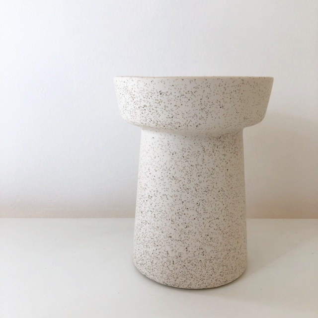 "再入荷!ceramic pot  ""JESSIKA"" /white 鉢カバー"