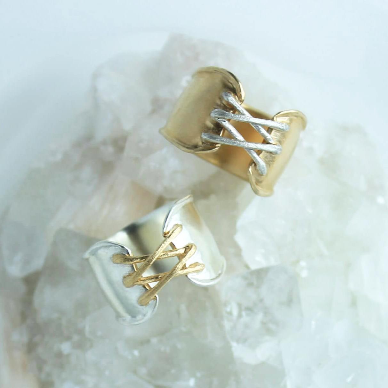 Ring / Corset