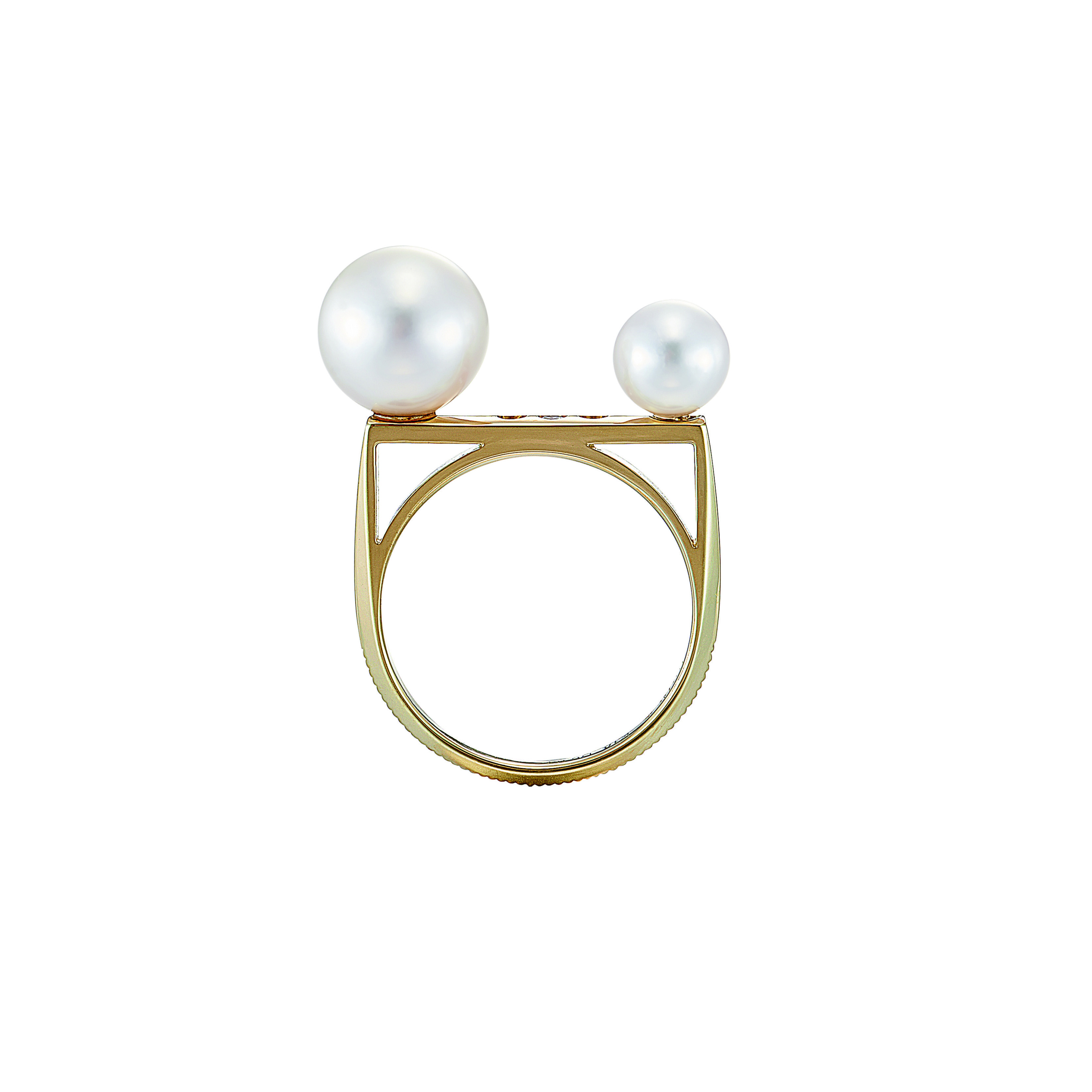 K18 Three Diamonds and Two Pearls Deco Ring
