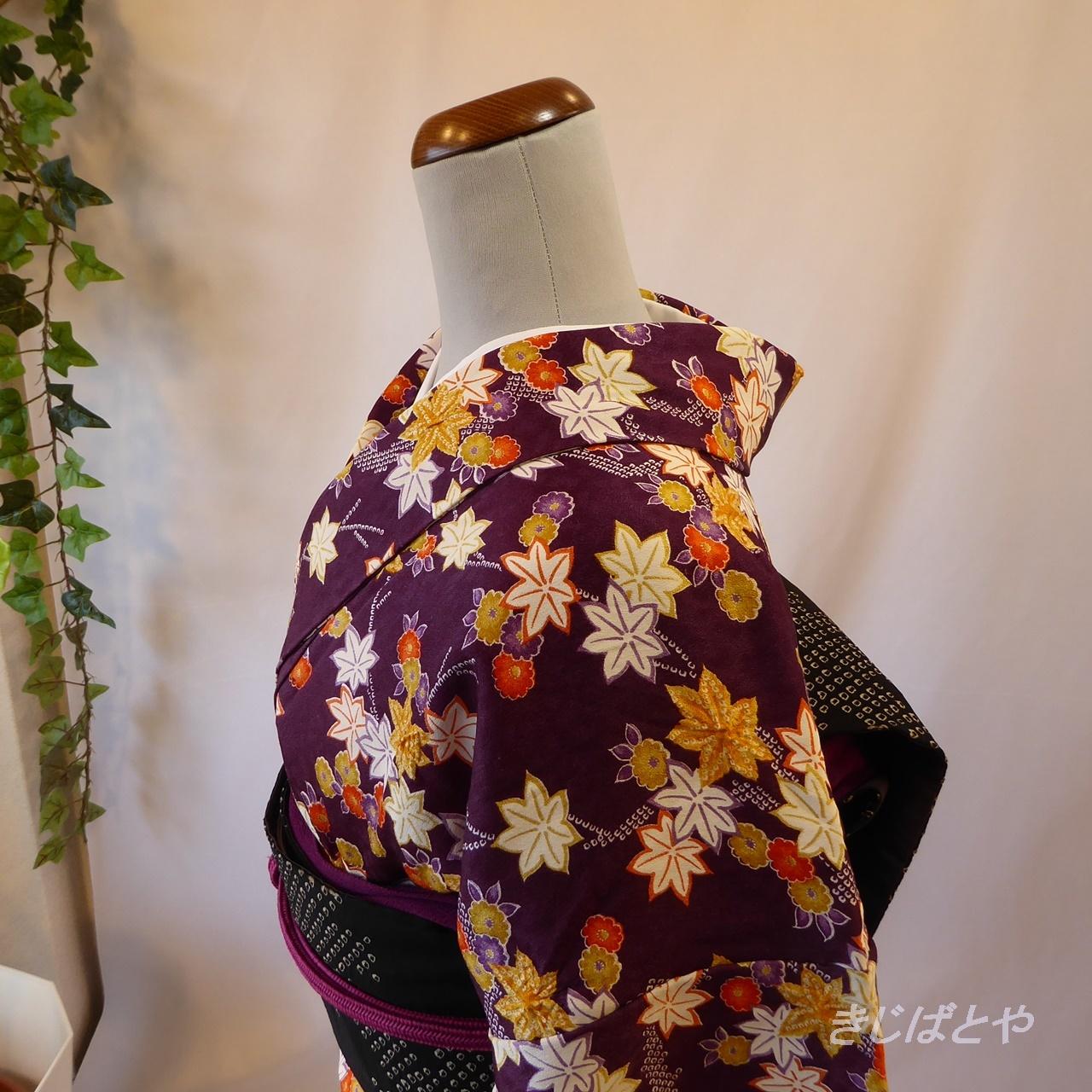 正絹綸子 小紫に楓と菊の総柄小紋 袷