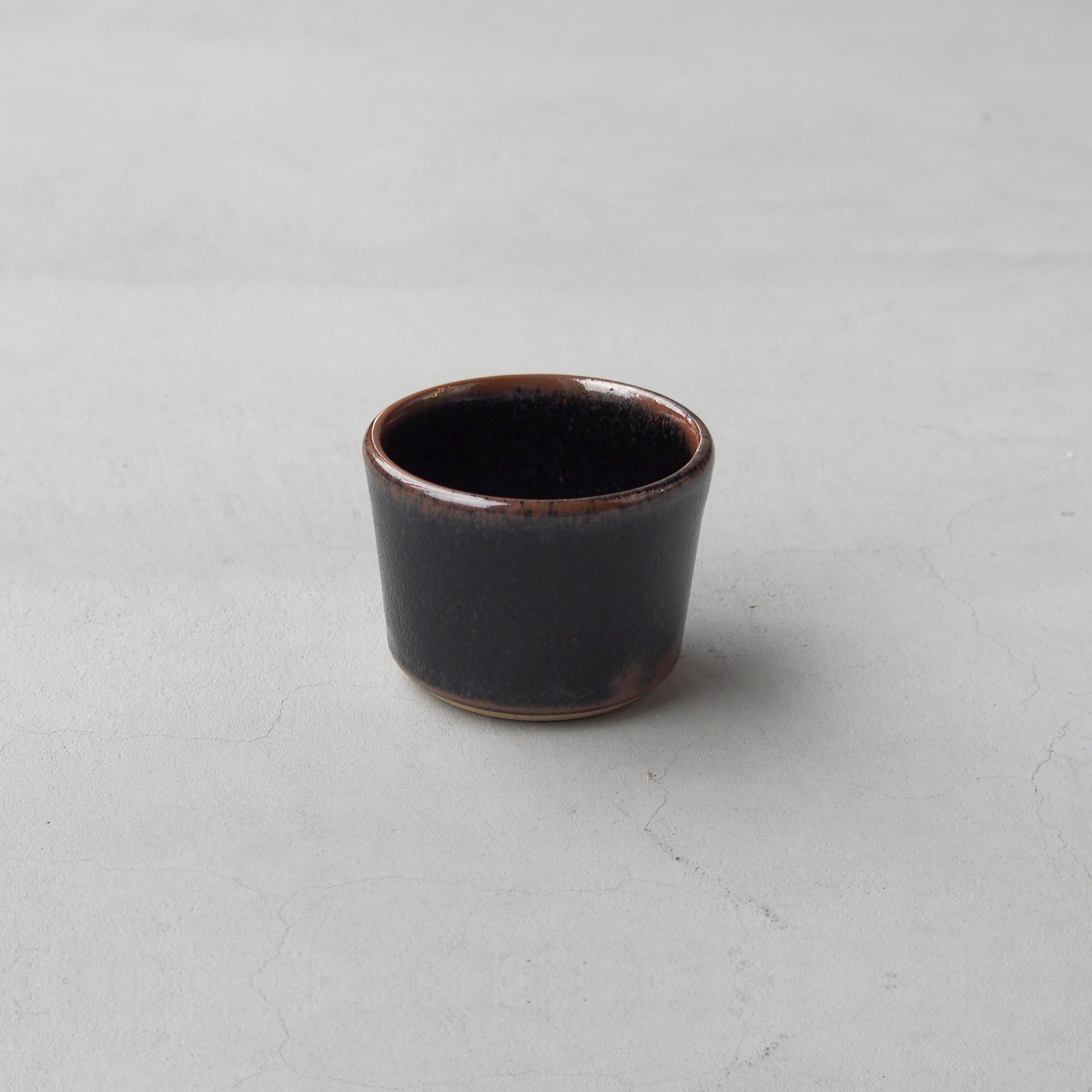 出西窯 深切立鉢3寸 黒