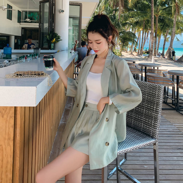 【送料無料】 旬のピスタチオカラー コーデ♡ ジャケット × インナー キャミソール × ショートパンツ セットアップ