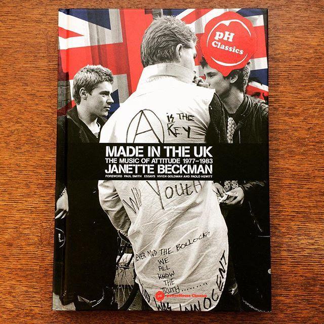 写真集「Made in the UK: The Music of Attitude 1977-1983」 - 画像1