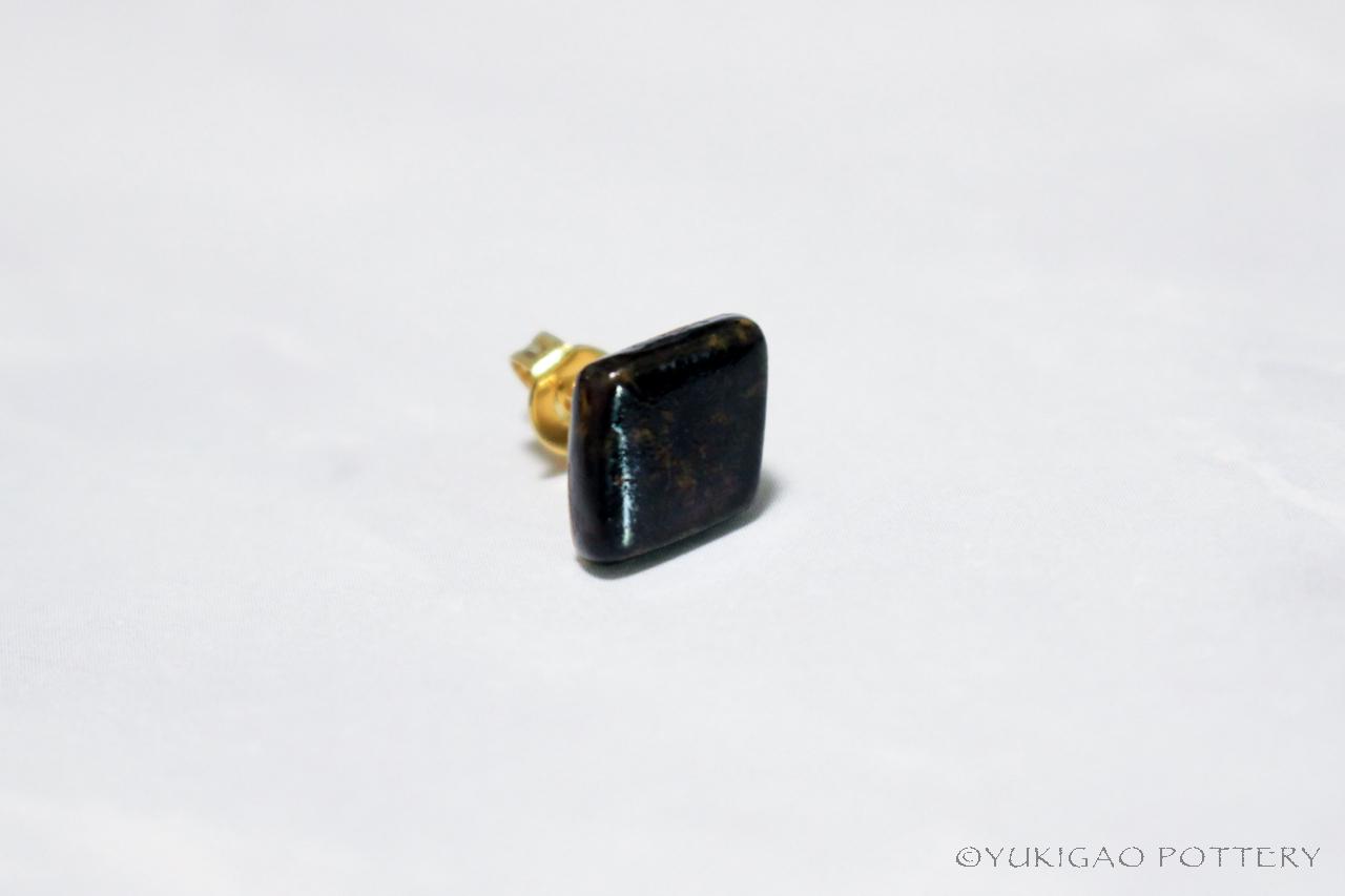 磁器のピアス【Black】※片耳分