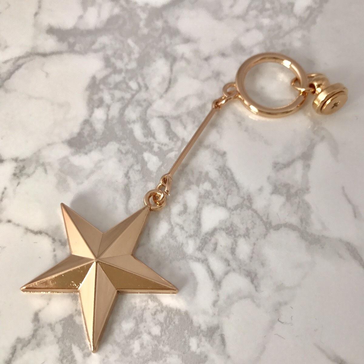 【送料無料】シンプルなスターゴールドチャーム 手作り デコ パーツ ハンドメイド iPhoneケース