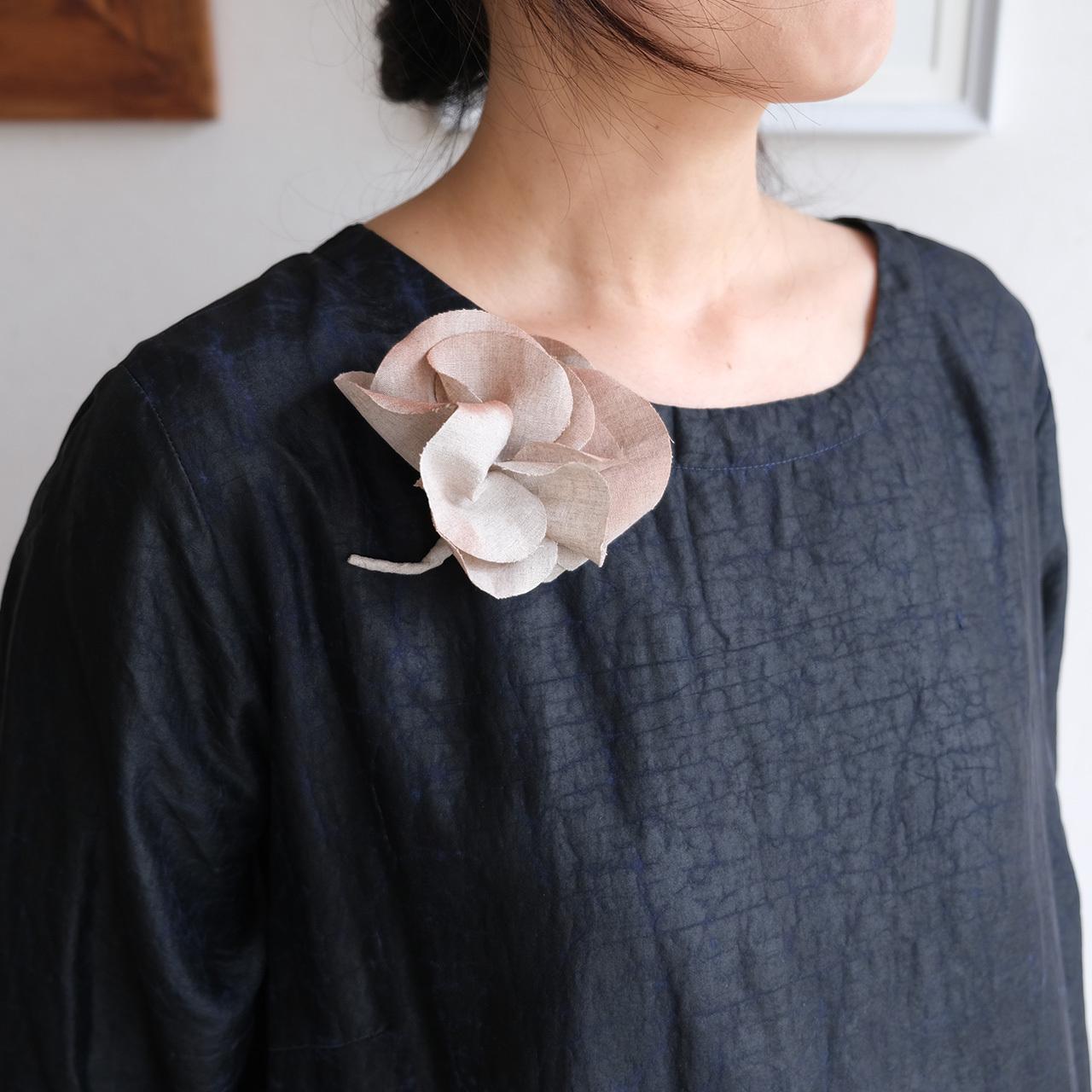 麻のコサージュ 〈 Gardenia 〉エクリュ