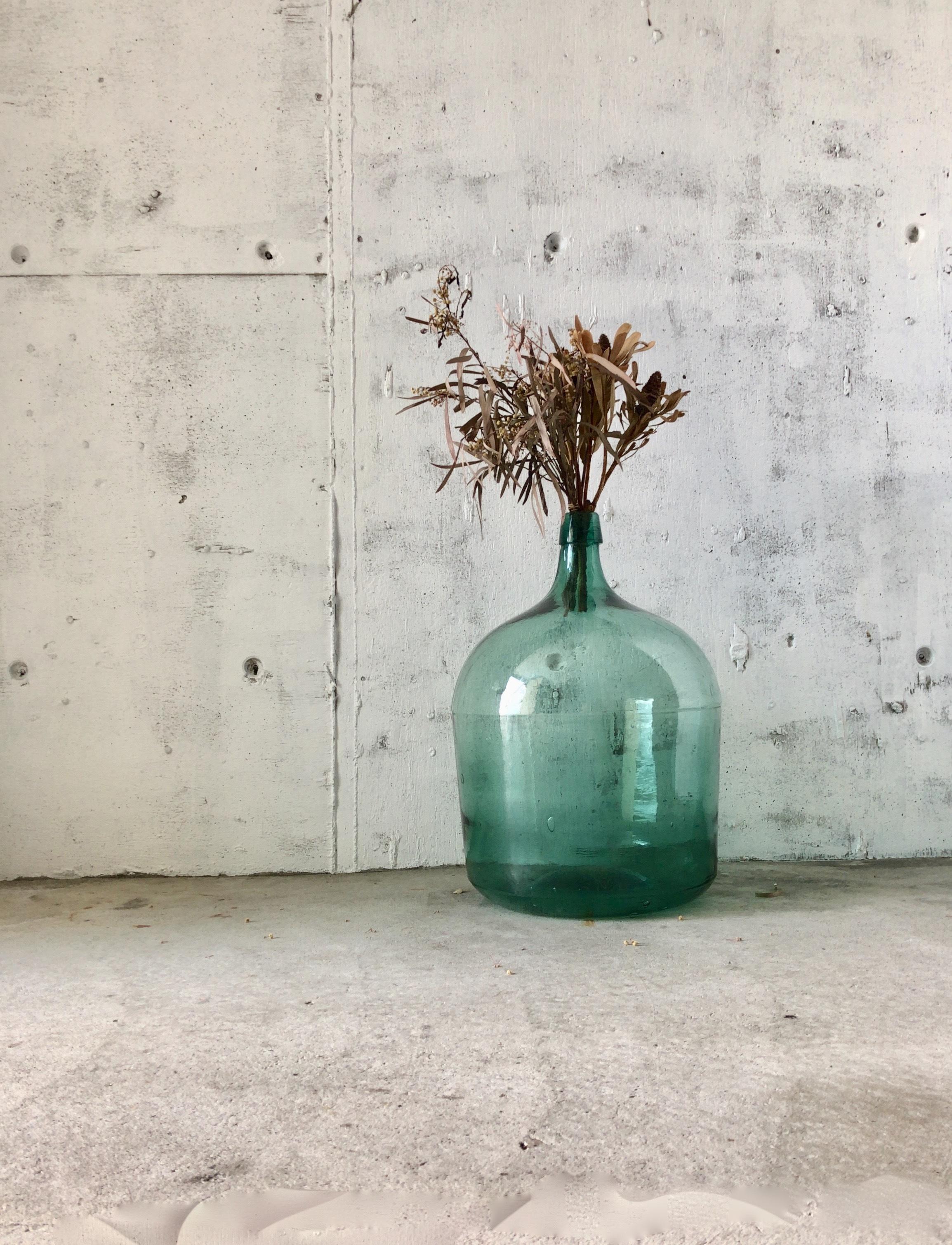 レトロなガラス瓶[古家具]