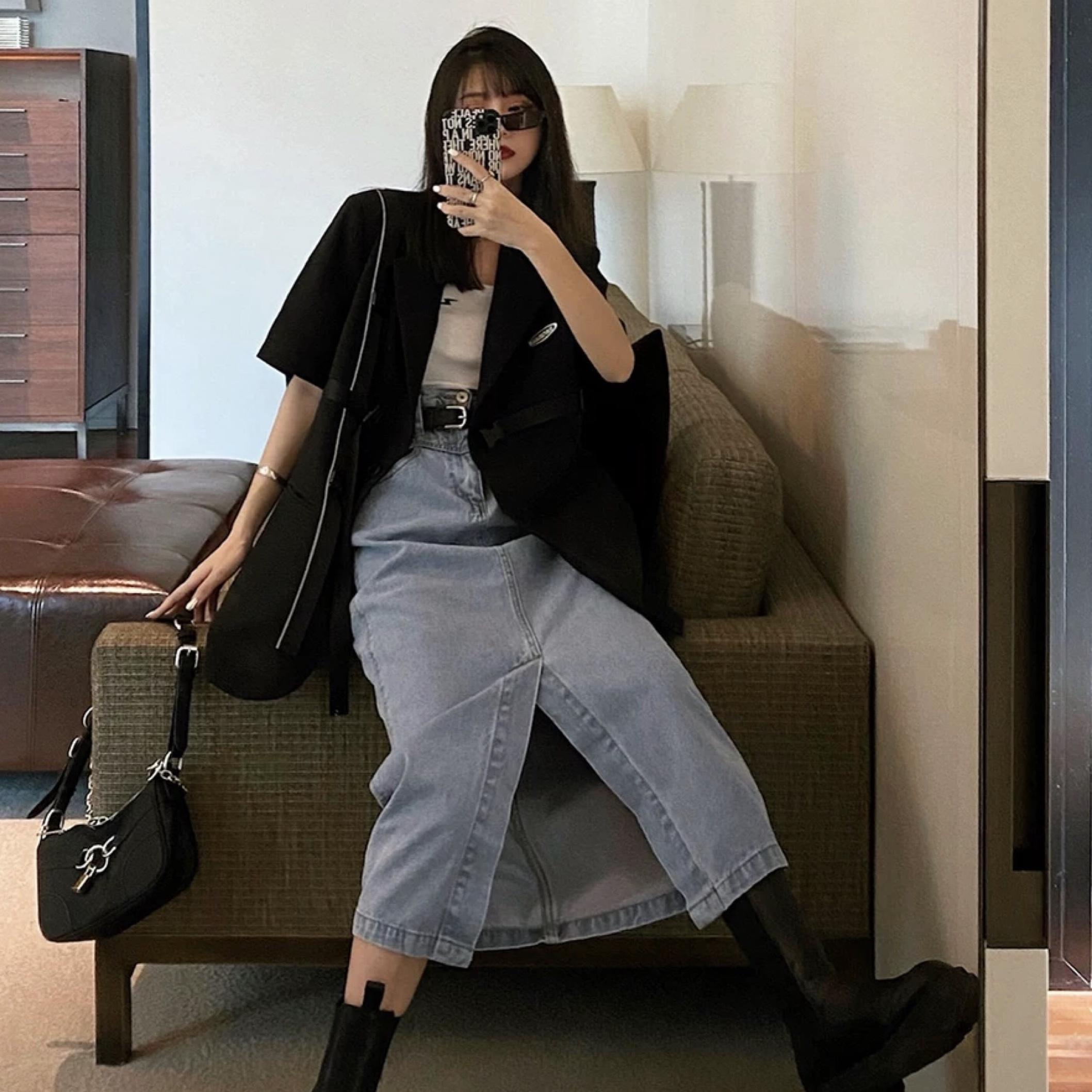 middle cut denim long skirt