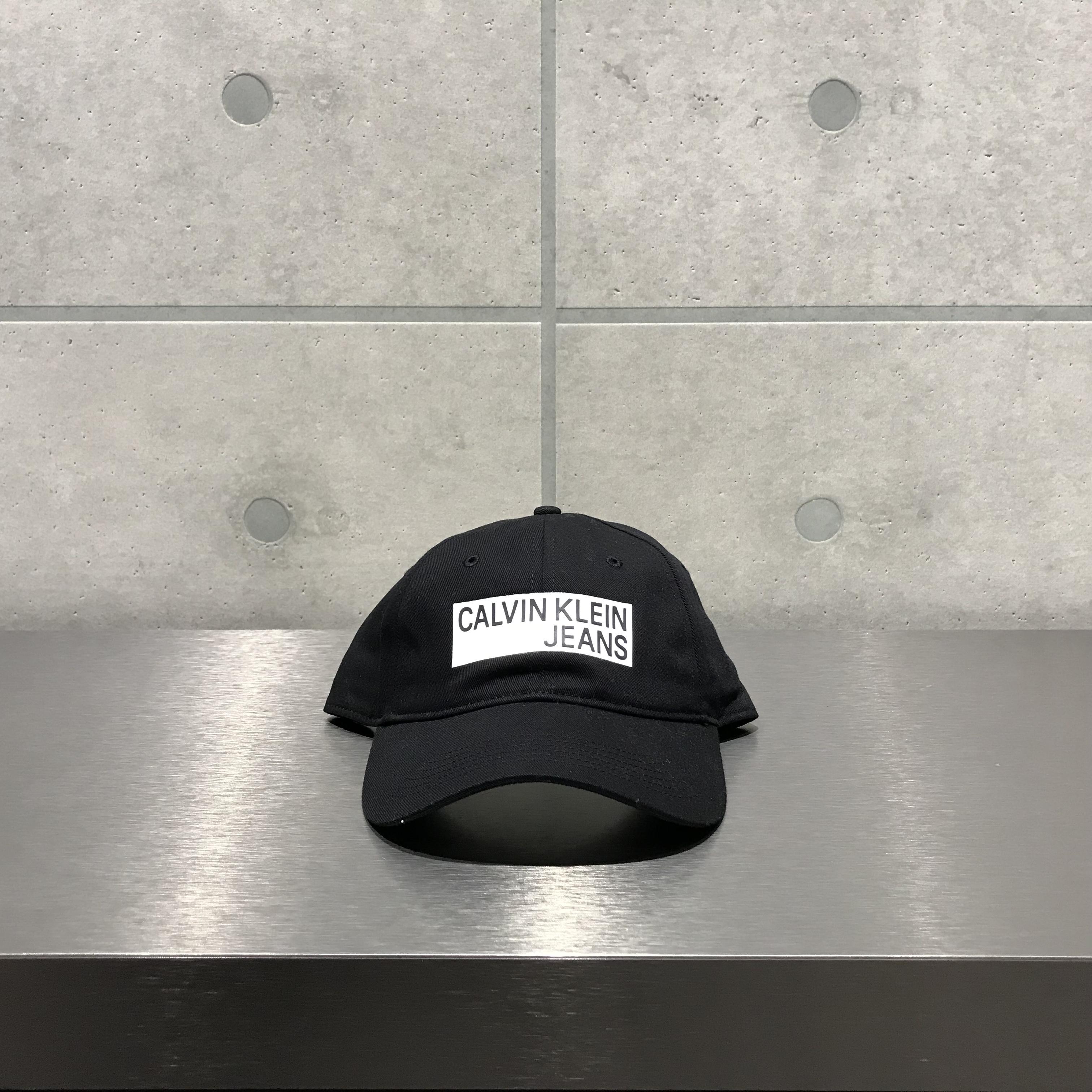 Calvin Klein LOGO 6-PANEL CAP / BLACK x WHITE
