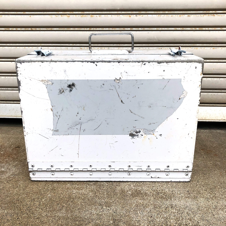品番0111 ツールボックス ホワイト 軍ケース スチール製 ミリタリーグッズ ヴィンテージ