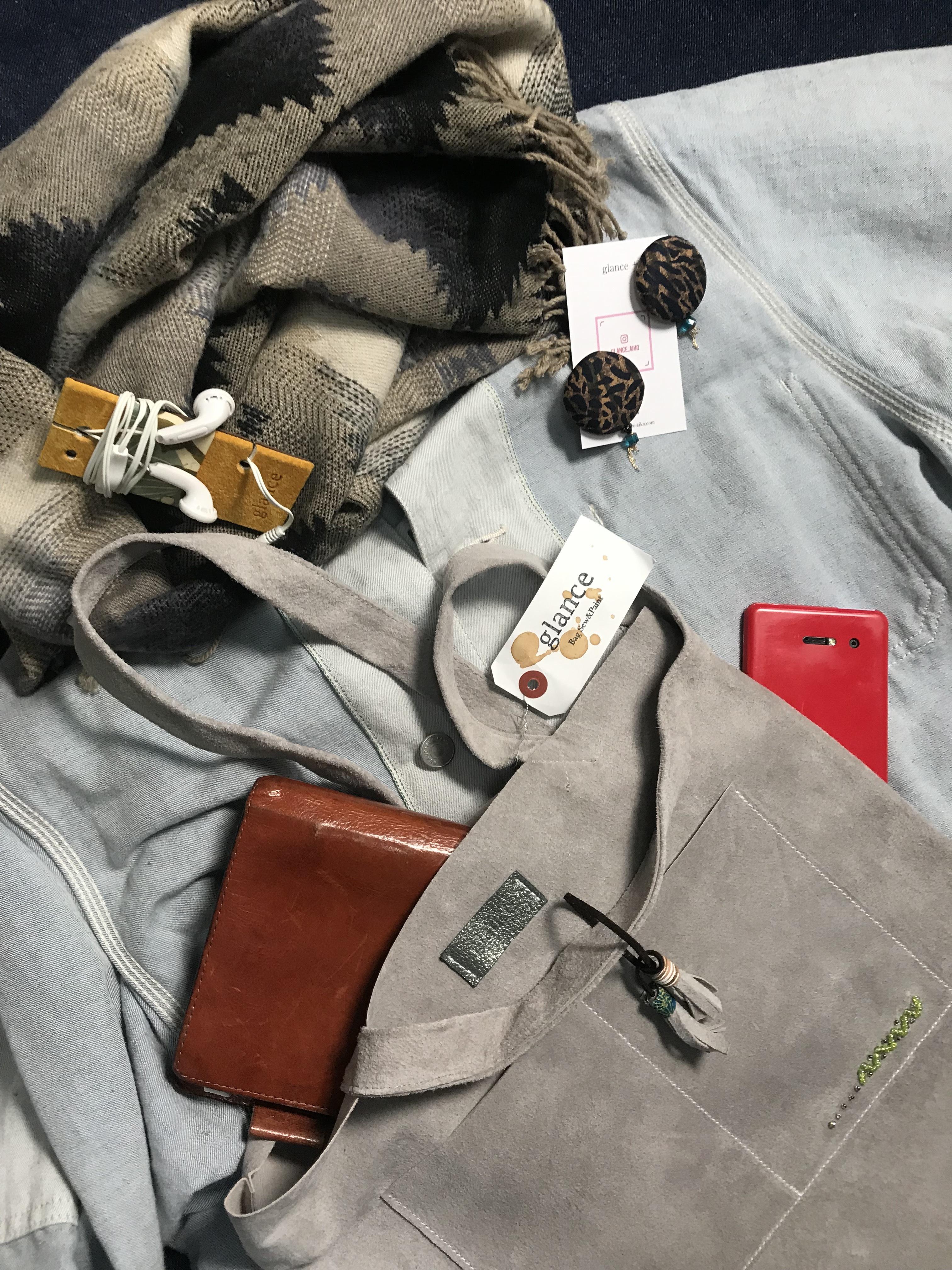 ビーズ刺繍 スエードペタンコトート(グレー)